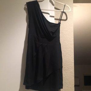 BCBG SIZE 4 Black One Shoulder Dress